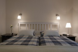 Schlafzimmer 1 Bett