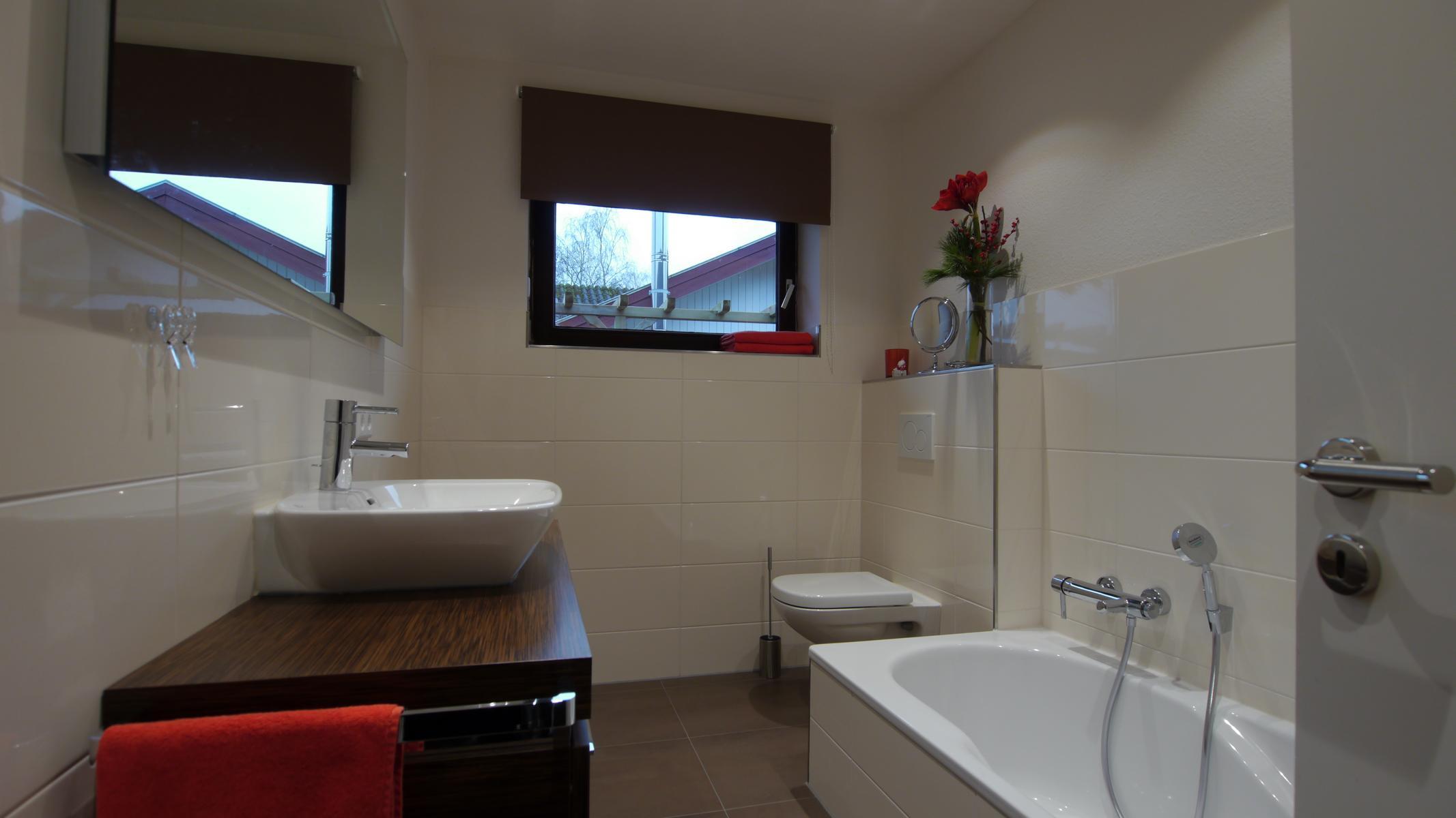 badezimmer mit regendusche ferienhaus familientreff ostsee. Black Bedroom Furniture Sets. Home Design Ideas